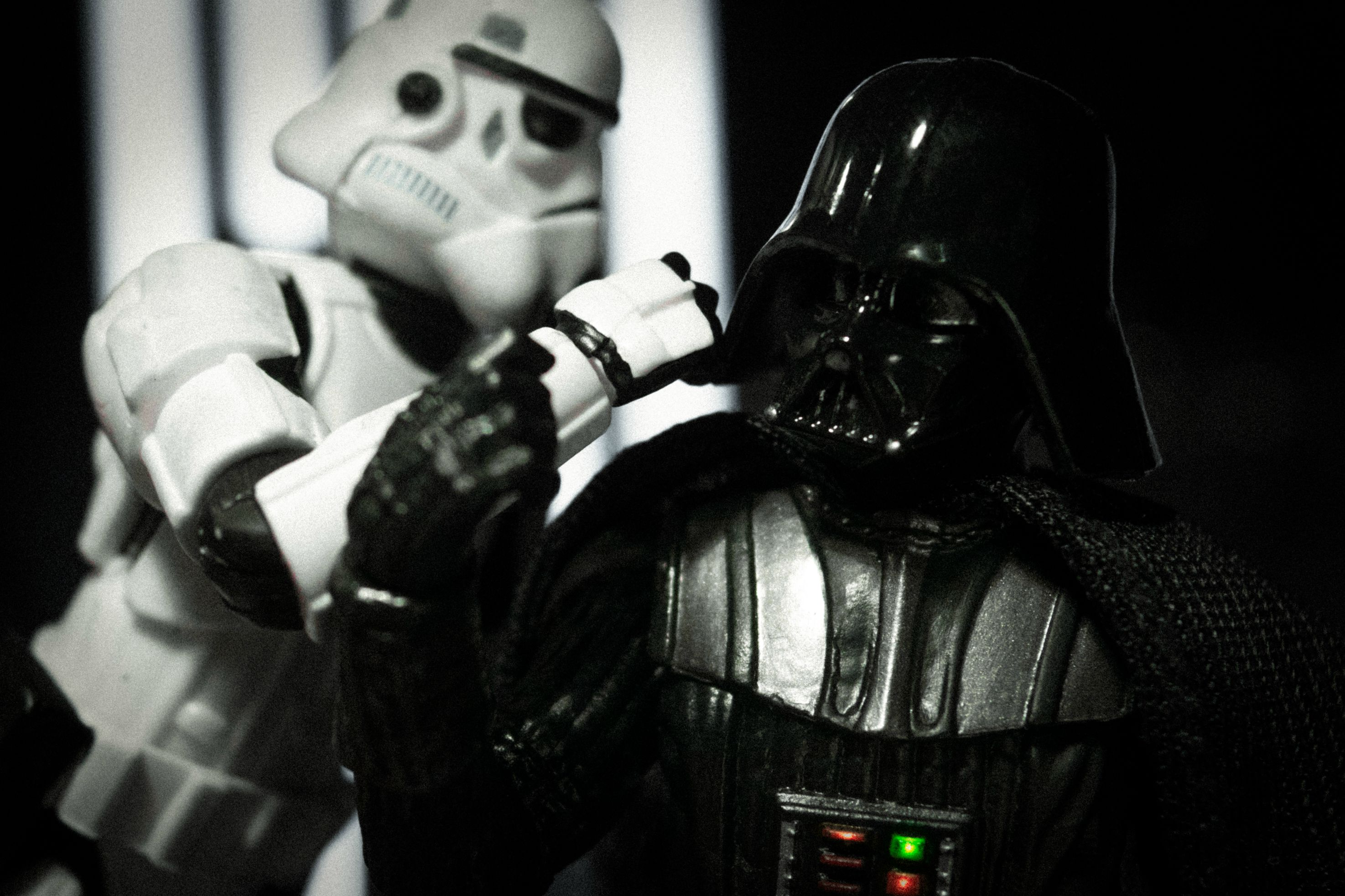 Famous Movie Scenes Recreated With Star Wars Toys