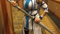 Asuna from Sword Art Online was not afraid to draw her sword if anyone crossed paths with her, cosplay by renniization