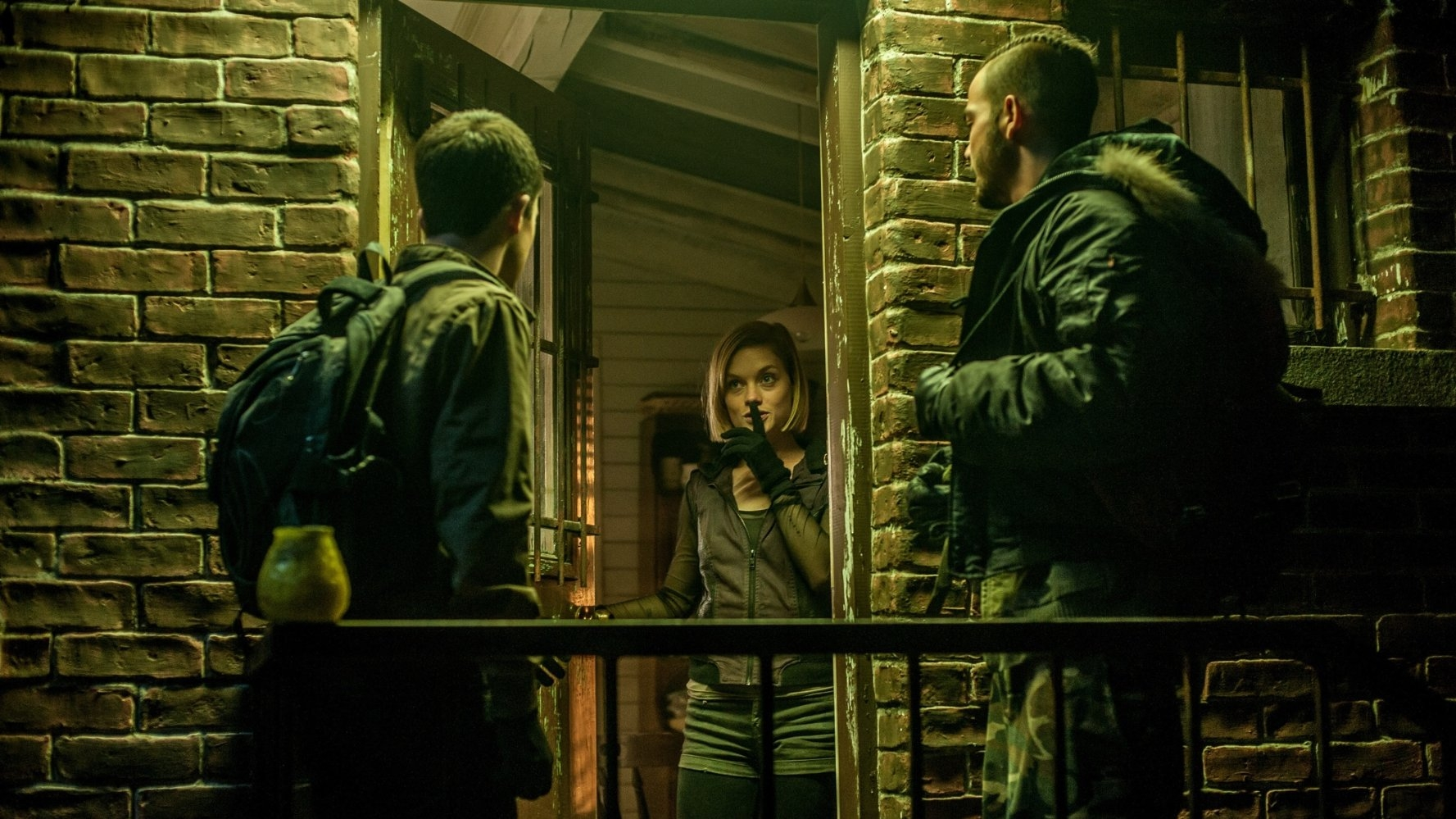 Don't Breathe 2016 Horror Movie Review | CineMarter | The ...