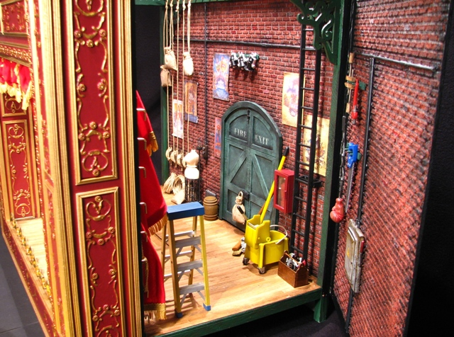 Man Creates Incredibly Detailed Muppet Show Theater The