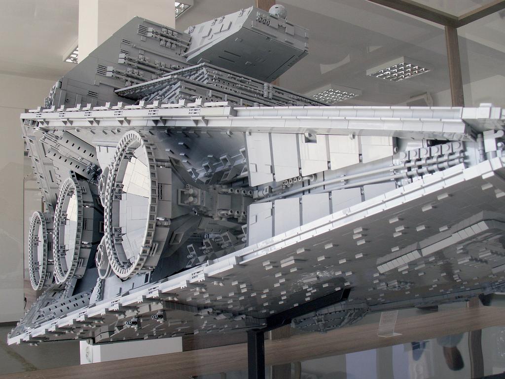 Star Wars Star Destroyer Recreated in 40,000 Piece LEGO Build