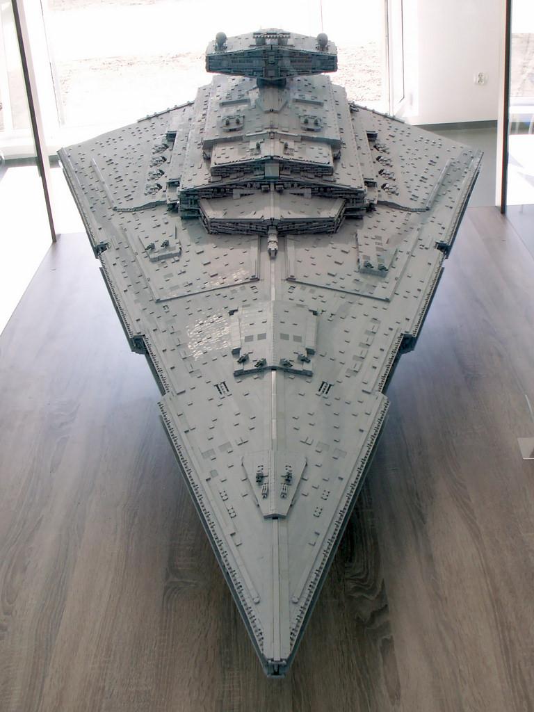 Star Wars Star Destroyer Recreated in 40,000 Piece LEGO