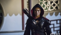 Katrina Law as Nyssa al Ghul. Photo Credit: Cate Cameron/The CW