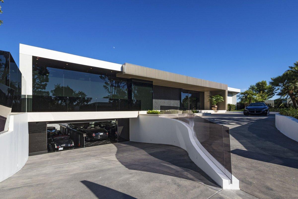 Minecraft Markus Notch Persson Mansion Beverly Hills  The Escapist