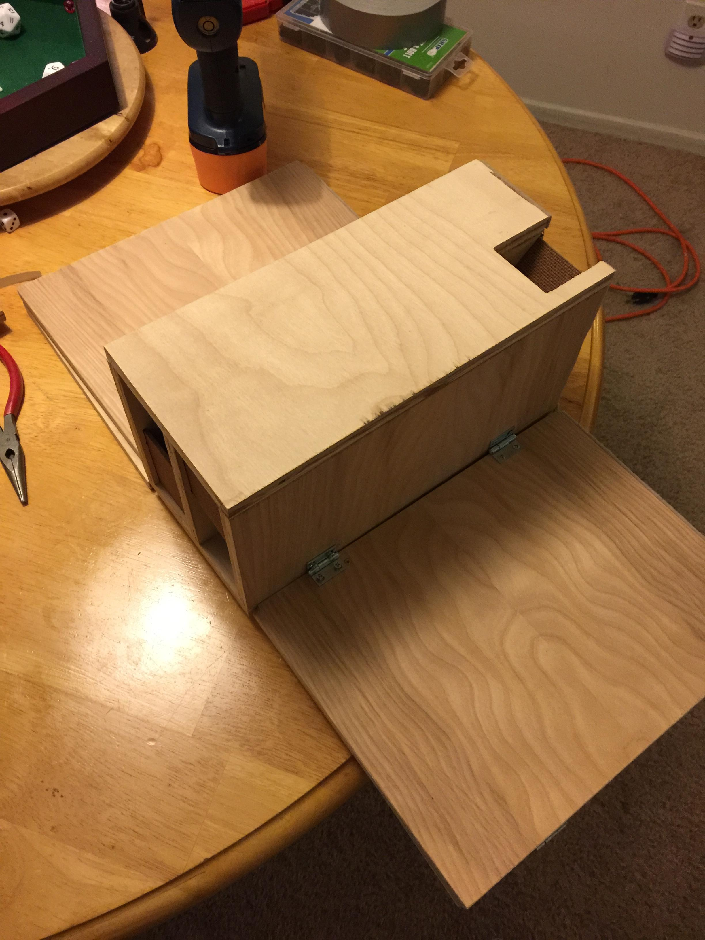 Tabletop Fan Constructs Custom Wooden DM Screen | The Escapist