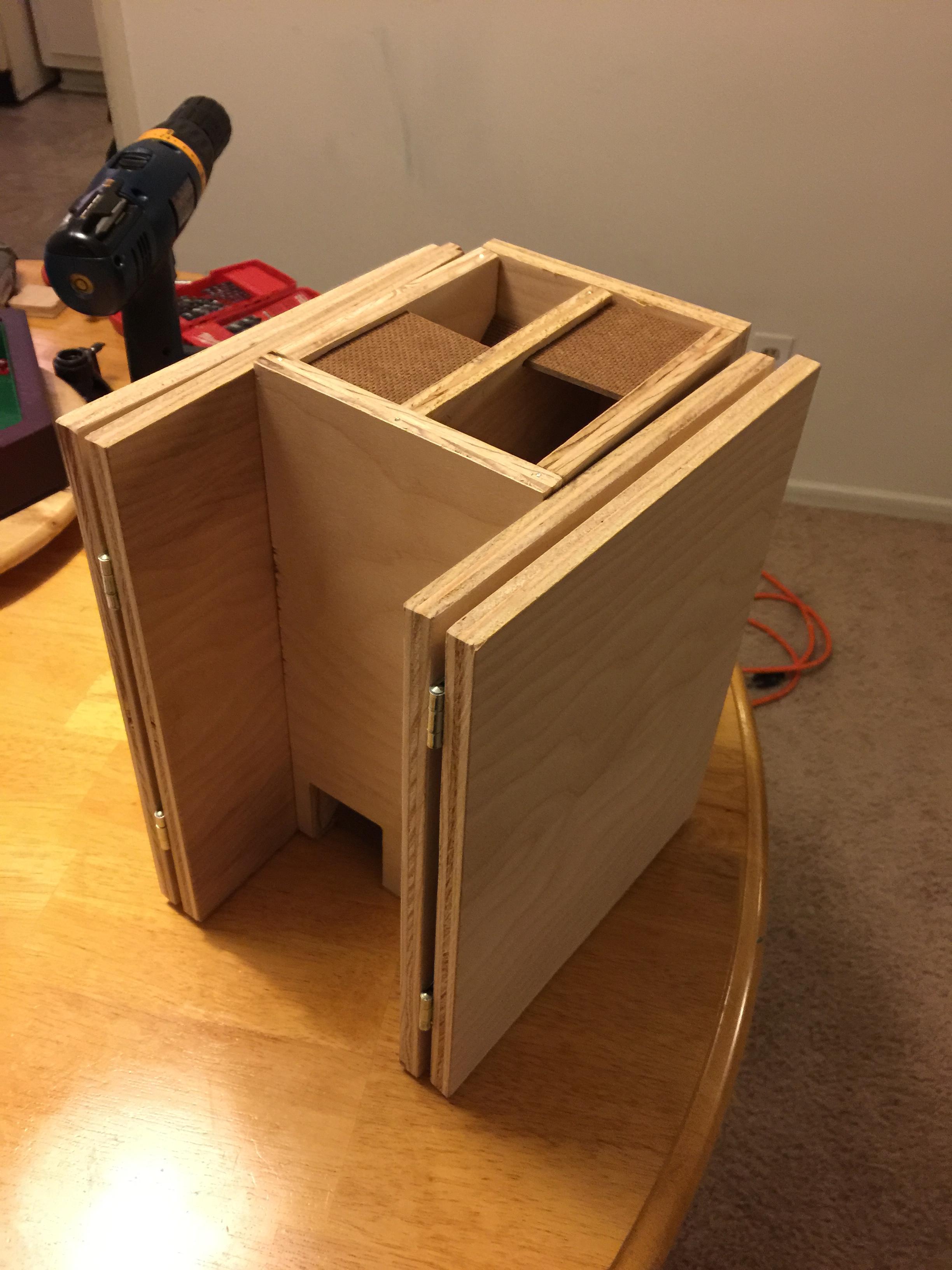 Tabletop Fan Constructs Custom Wooden Dm Screen The Escapist