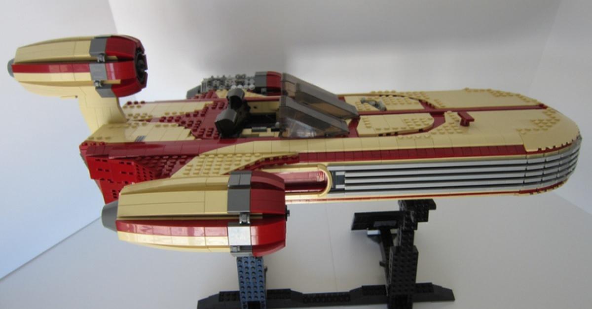 Fan Made Lego Ucs Star Wars Landspeeder Heads To Lego